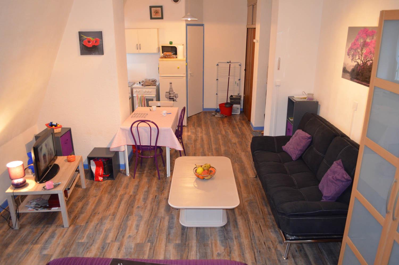 depuis la chambre appartement meubl aix les bains. Black Bedroom Furniture Sets. Home Design Ideas