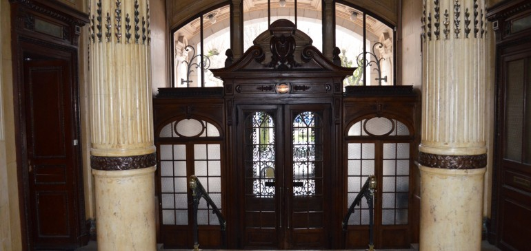 La porte du Grand Hôtel