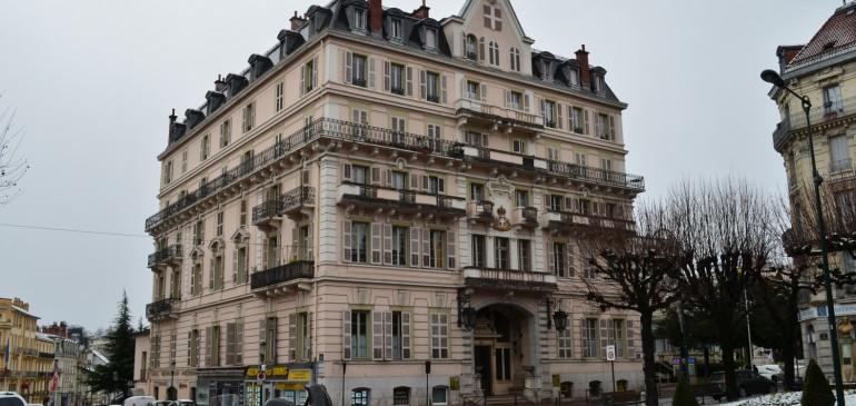 Le grand hôtel en hiver