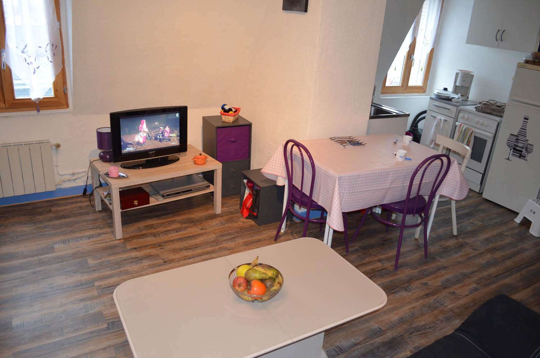 Le salon de notre appartement meubl aix appartement - Location appartement meuble aix les bains ...
