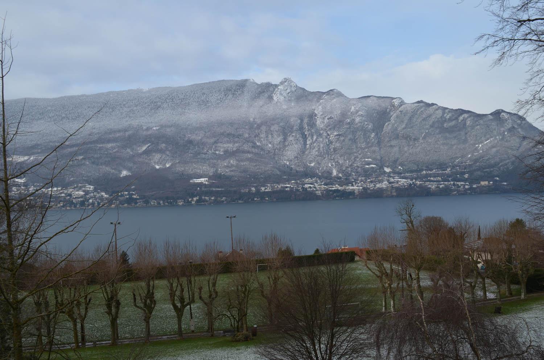 La dent du chat au pied du lac du Bourget
