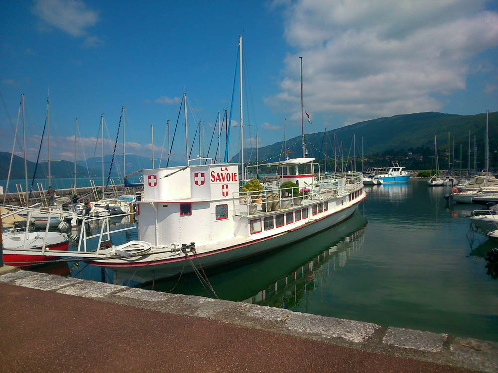 Le grand port au lac du bourget