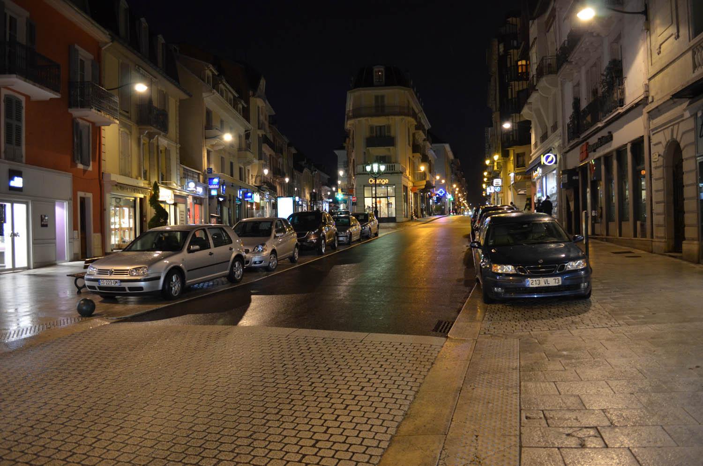 Centre ville de nuit aix les bains